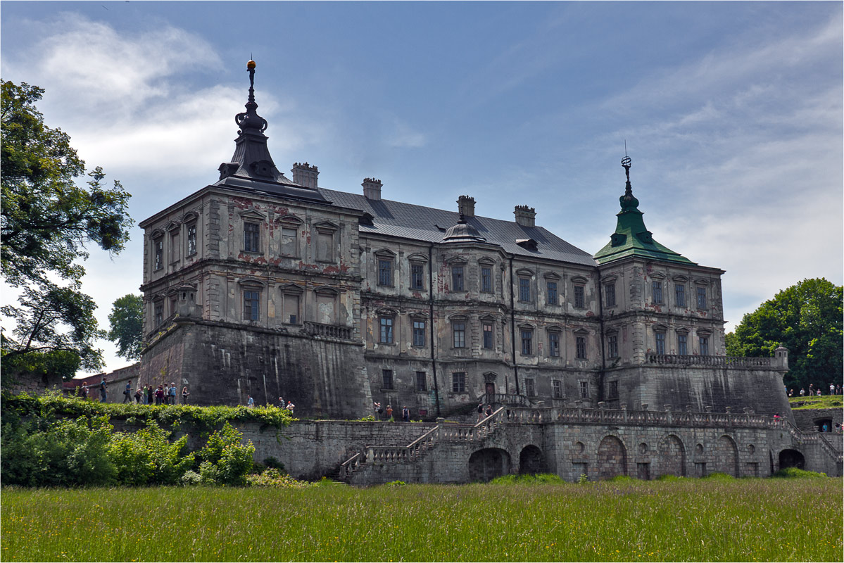 visit to pidhirtsi castle is the opportunity to spend a weekend